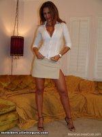 Красивые секс фото от студии MommyLovesCock с зрелой женщиной Fucking It Out With Monique (2008-10-27)