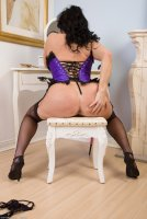 Бесплатные порно фотографии от сайта AllOver30 с зрелой шлюхой [2013.11.16] Leah H