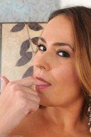 Красивые интим фотографии с опытной женщиной [2014.01.20] Elexis Monroe