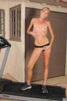 Бесплатные секс фотки с опытной дамой [2014.01.31] Stacey Y